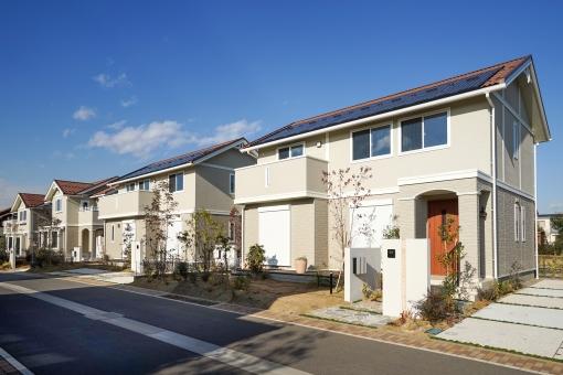 外観が広い家の窓の配置をみてもらう画像イメージです。