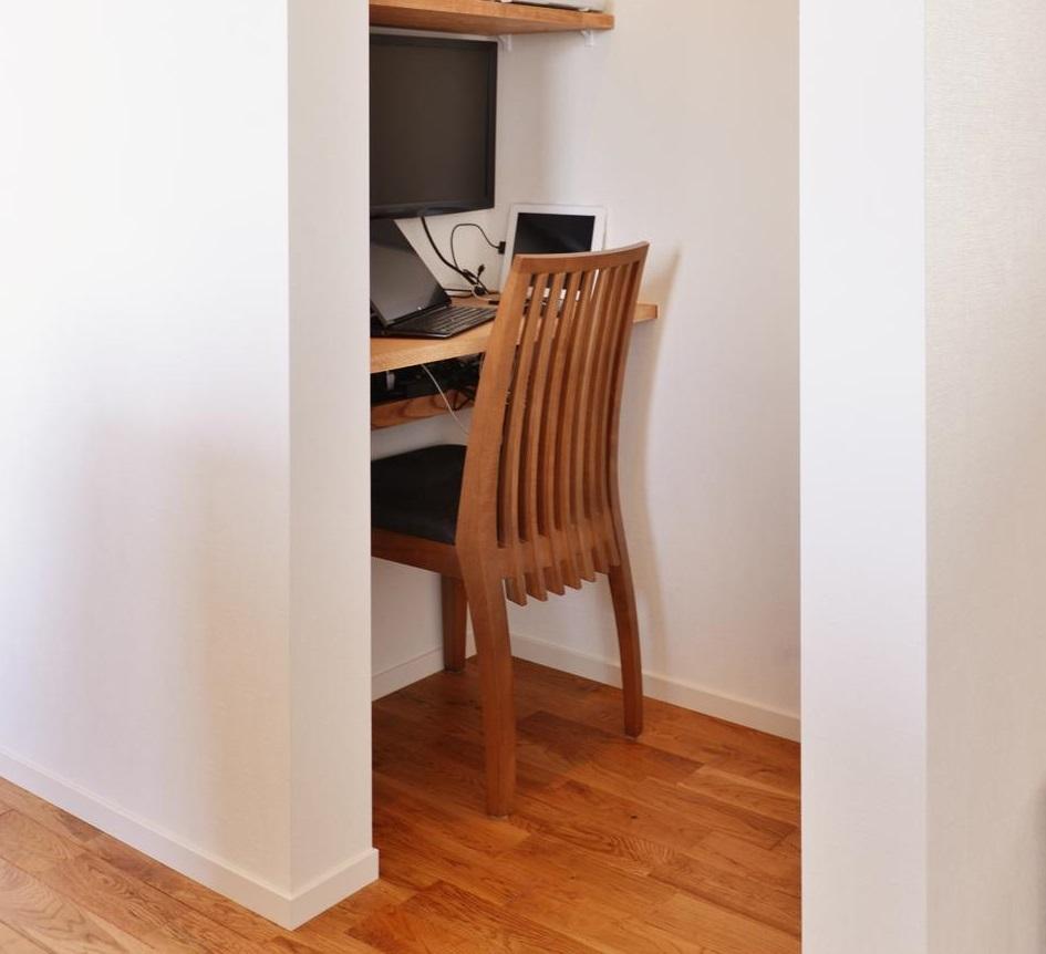 階段下の男の書斎のイメージ画像です。