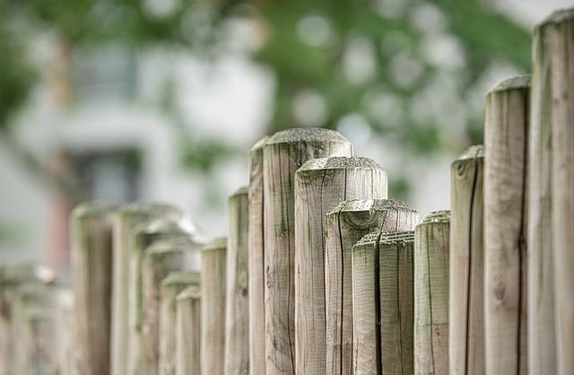 庭の柵画像です。