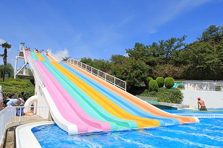 みさき公園 ぷーるらんどRIOの名物滑り台です。