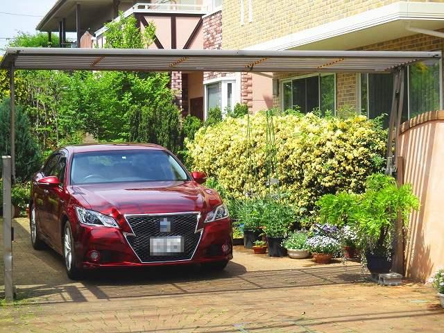 家と車の画像です
