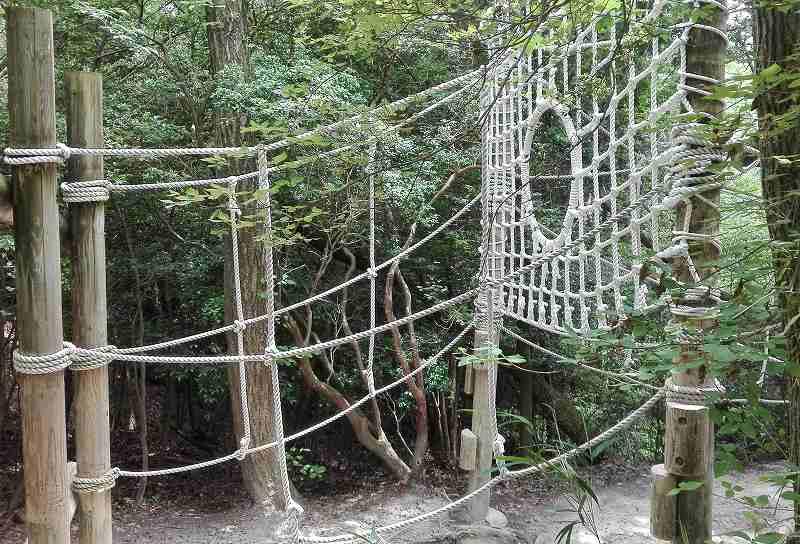 生駒山麓公園フィールドアスレチック(奈良)の画像です。