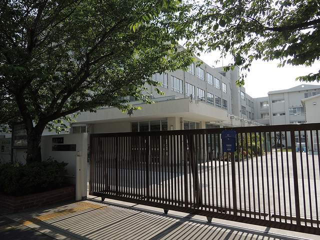堺市北区の中学校「大泉中学校」...