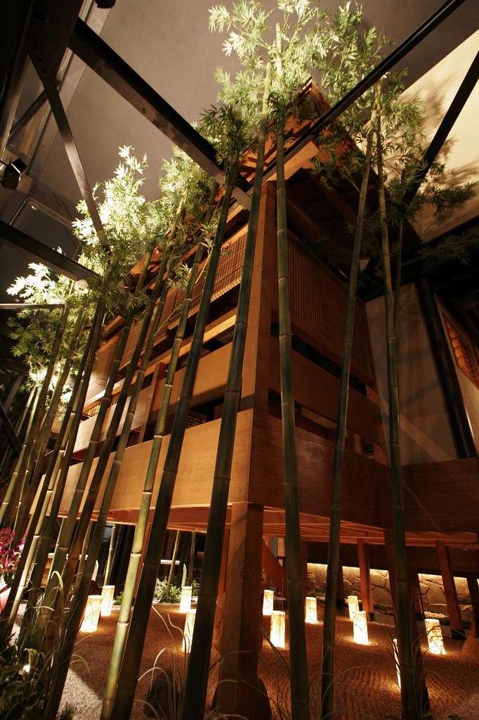 座敷と竹庭の画像です