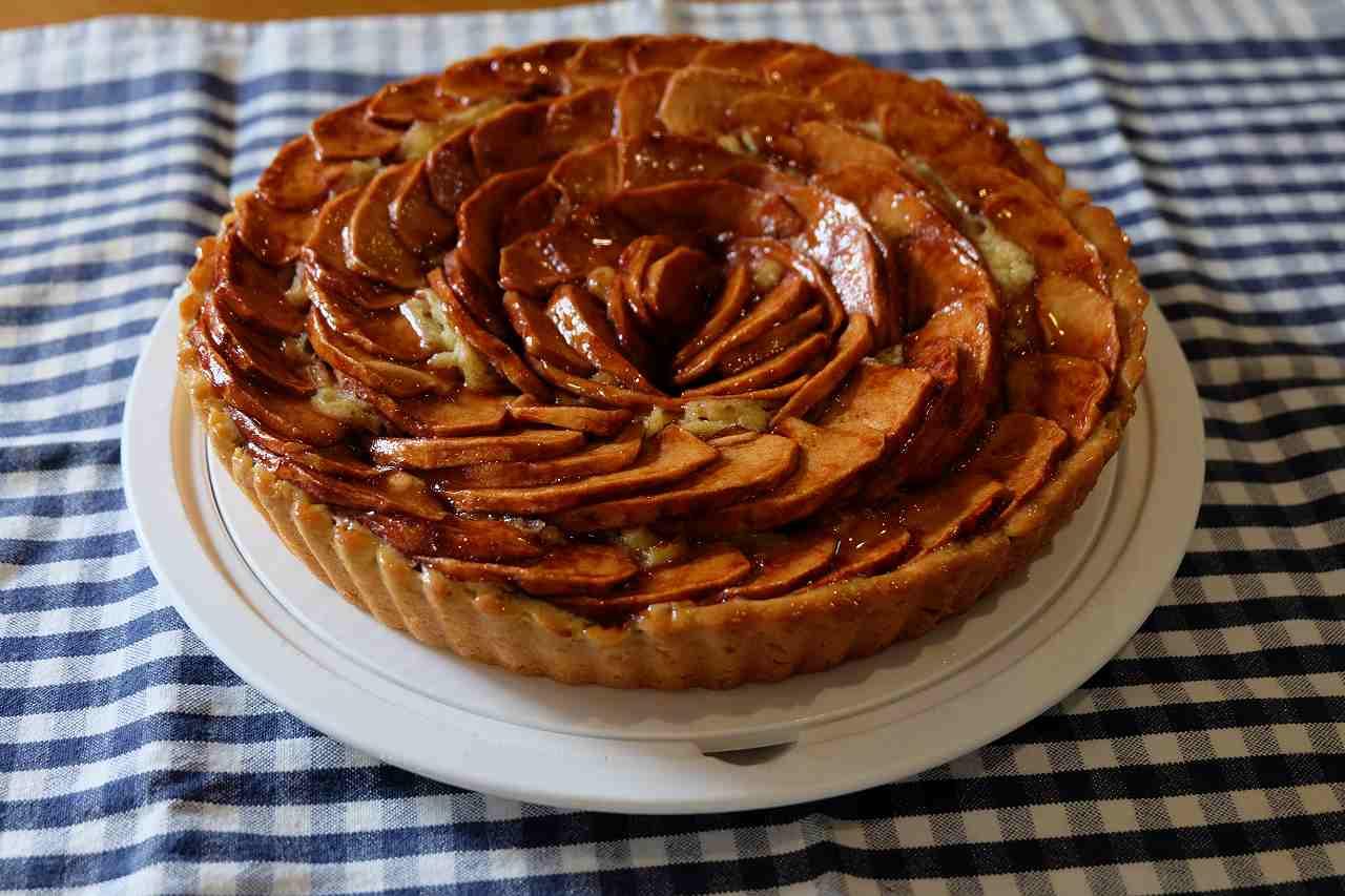 ホールケーキの画像です
