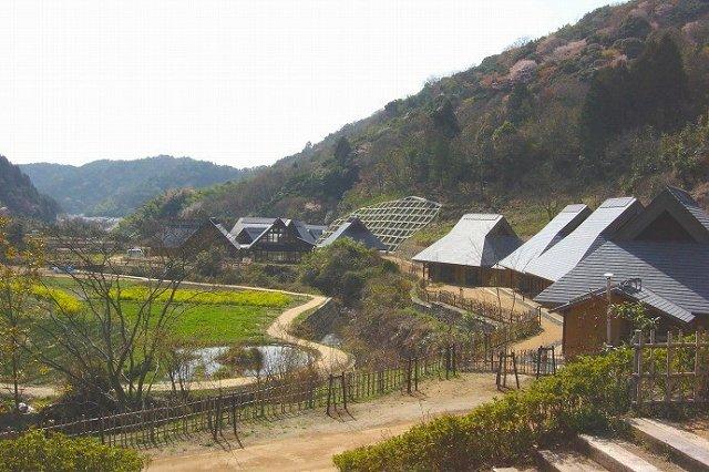 紀泉わいわい村の画像です
