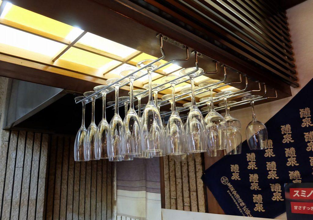 ワイングラスの画像です
